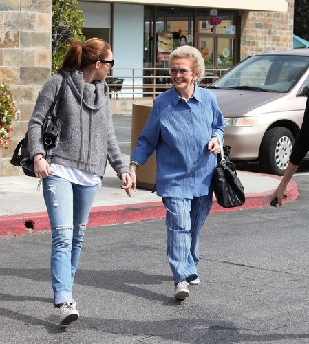 Miley-Out in Toluca Lake - March 17th, 2011