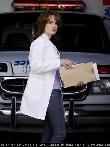 New Stills Of Elisabeth Reaser New TV montrer 'Saved'