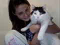 Phoebe Tonkin with her cat - cariba-heine-and-phoebe-tonkin photo