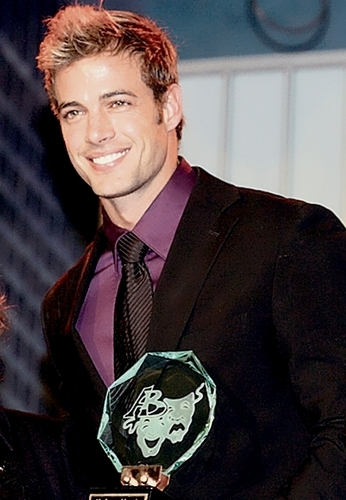 William Levy Gutierrez wallpaper containing a business suit and a suit called William Levy