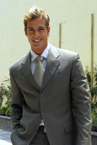 William Levy Gutierrez wallpaper containing a business suit, a suit, and a single breasted suit called William Levy