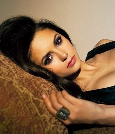 Nina Dobrev wolpeyper with a portrait entitled nina