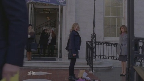 Хлоя Морец Обои possibly with a business suit, a street, and a revolving door titled 30 Rock: 5x16 TGS Hates Women
