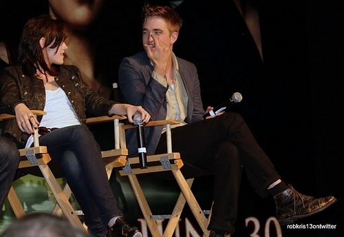 Amazing new foto of Kristen and Robert