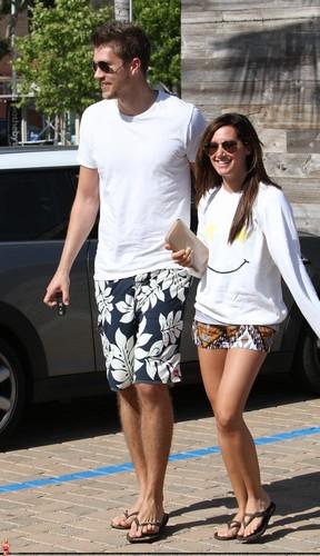Ashley&Scott