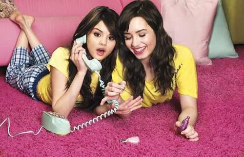 Demi&Selena 写真