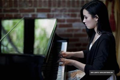Demi studio photoshot!