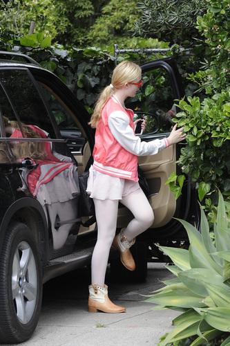 Elle Fanning Leaving ballet class