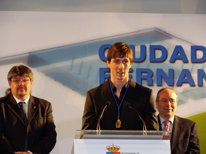 "Fernando received ""The Золото Medal"" of Fuenlabrada"