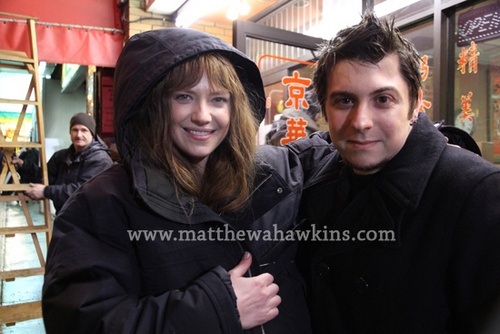 Fringe shabiki Meets Anna, Josh and John