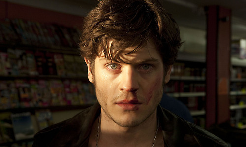 Iwan Rheon - misfits-e4 Photo