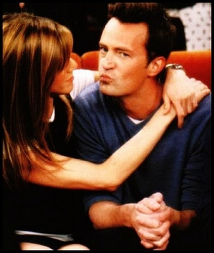Friends wallpaper possibly containing a portrait called Jennifer Aniston & Matthew Perry