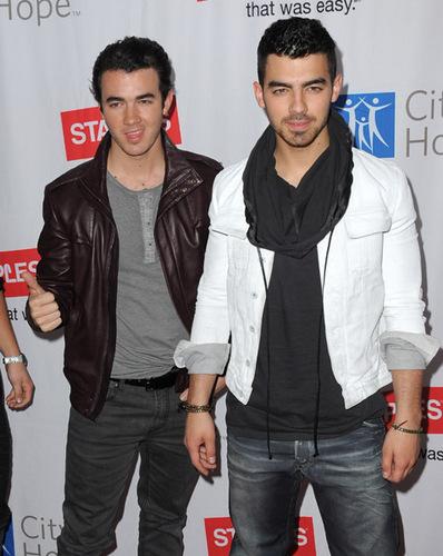 Jonas 2011