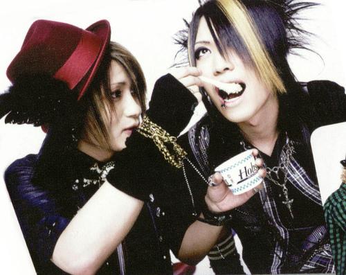Miku x Kanon Japanese Bands Kanon And Miku