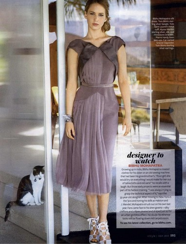 Magazine scans: InStyle - July 2010