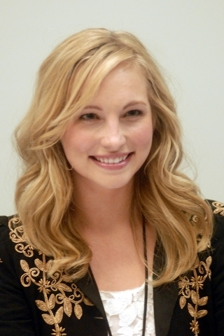 مزید new تصاویر of Candice at the Chicago Comic & Entertainment Expo [19th March 2011//HQ].