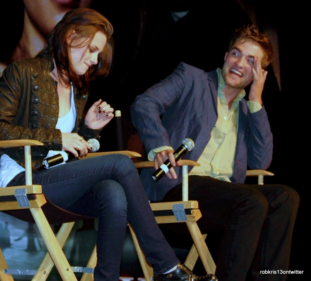 New/Old Pictures of Rob and Kristen at the Eclipse TwiCon (2010)