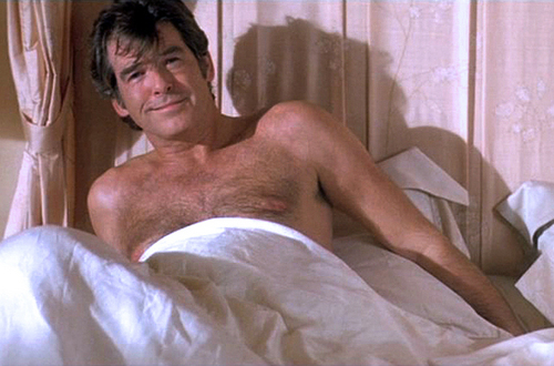 PIERCE BROSNAN SHIRTLESS IN Laws Of Attraction.