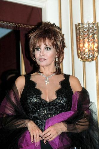 Raquel Welch: Life Archives