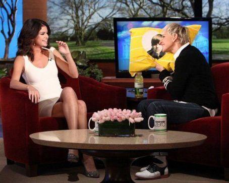 selena gomez ellen show 2011. Selena Gomez On The Ellen Show