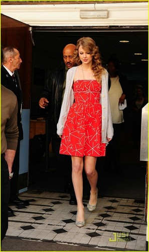 Taylor rápido, swift Lights Up Londres