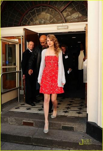 Taylor snel, swift Lights Up London