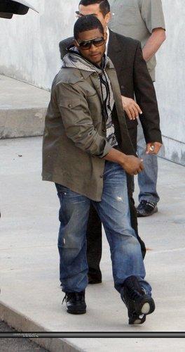 Usher fond d'écran possibly with a street, a carriageway, and a navy joint, joint d'étanchéité called Usher