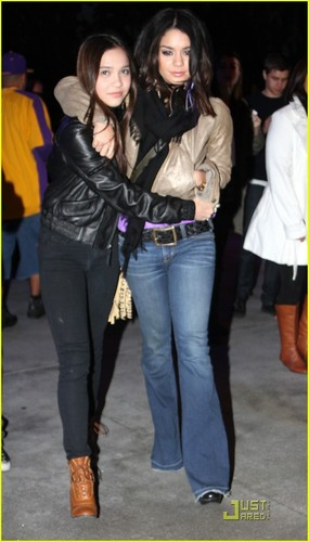 Vanessa & Stella Hudgens: Lakers Ladies