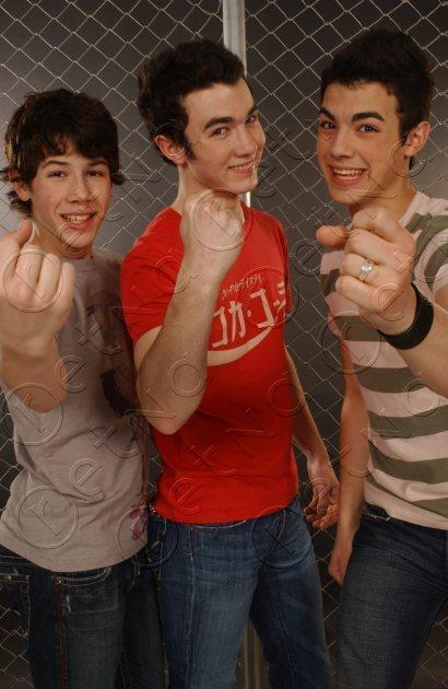 Young Jonas brother Photoshot!