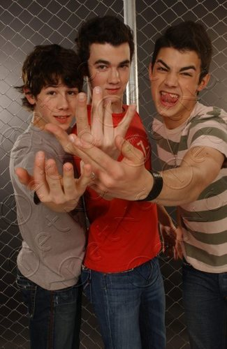 Young jonas brother photoshot !