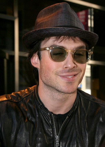 Ian Somerhalder Hintergrund with sunglasses titled ian