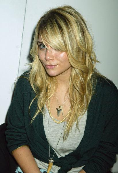 2004 - Naked Heart Foundation - Mary-Kate & Ashley Olsen Photo (20442628) - ...