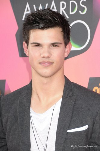 23rd Annuals Kids' Choice Awards, 2010- Taylor <3