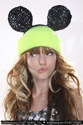 bella thorne wallpaper entitled Bella