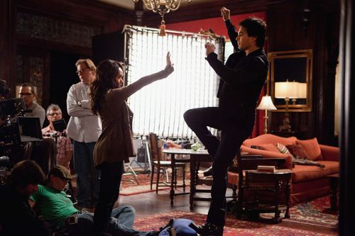 Damon & Bonnie Behind The Scenes 2x18 - damon-and-bonnie Photo
