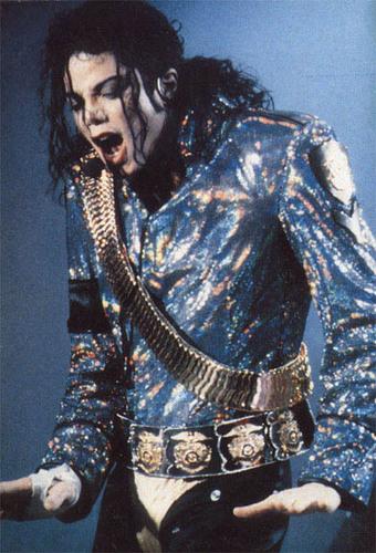 Dangerous ERA PICTURES MJJ :D :) :P