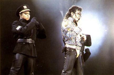 Dangerous ERA PICTURES MJJ :D :) :P