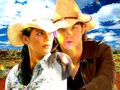 Jared & Gen - jared-padalecki-and-genevieve-cortese wallpaper