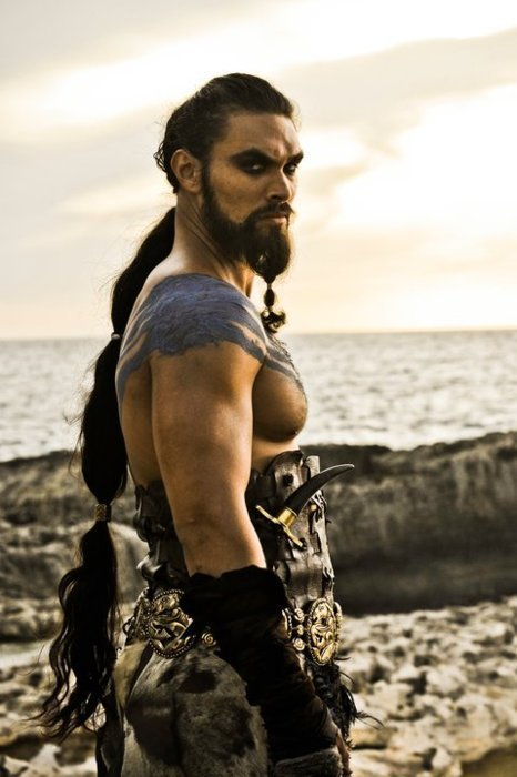 Khal-Drogo-game-of-thrones-20460614-466-700.jpg