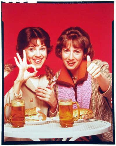 Laverne & Shirley wallpaper containing a coffee break called Laverne & Shirley