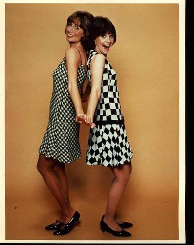 Laverne & Shirley wallpaper possibly with a well dressed person, a cocktail dress, and a playsuit titled Laverne & Shirley