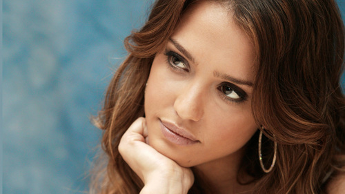Jessica Alba wallpaper containing a portrait entitled Lovely Jessica Wallpaper ❤
