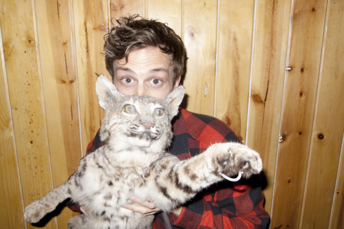 Dr. Spencer Reid Hintergrund with an egyptian cat and a tabby titled MGG! <3