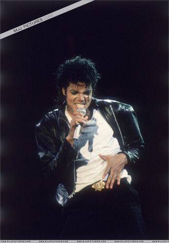 Michael Jackson BAD Tour Pictures :D