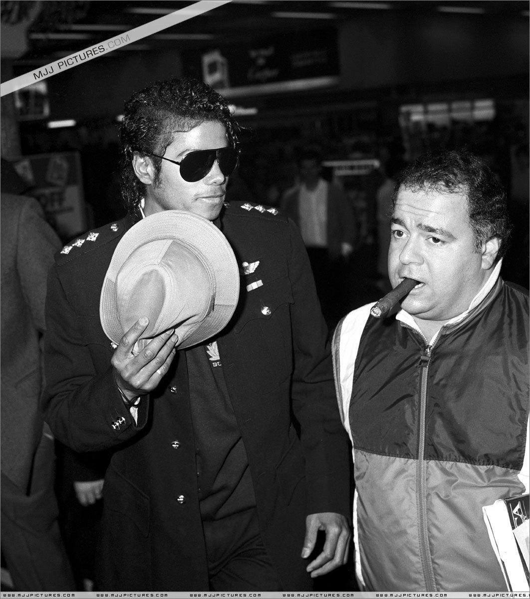 Michael Jackson THRILLER ERA PICS :)