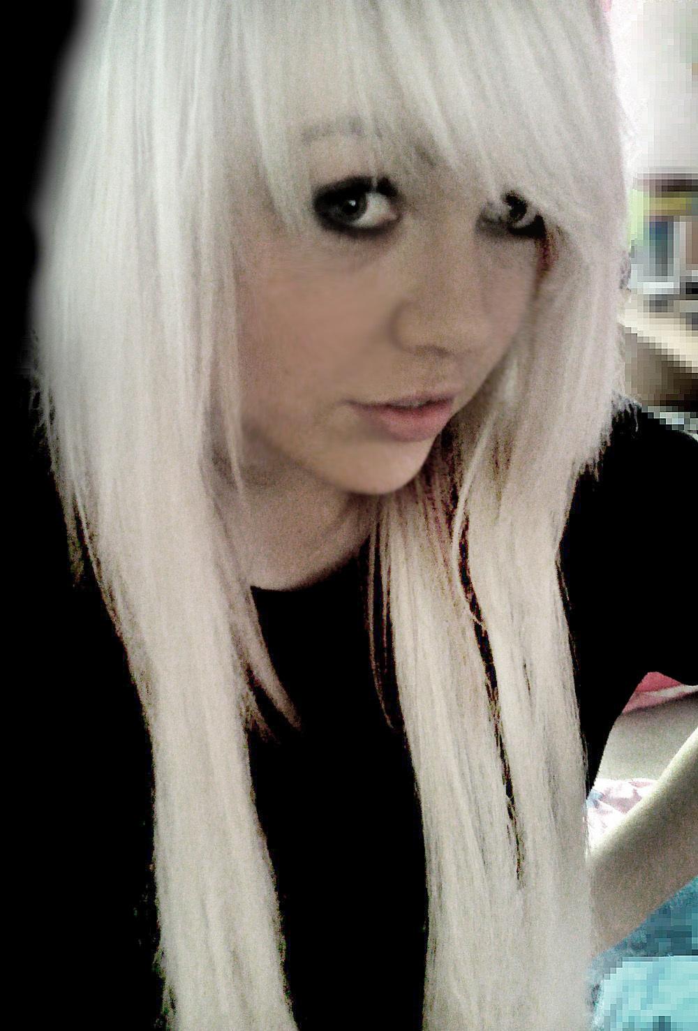 Emo scene hairstyles michelle nique scene girl