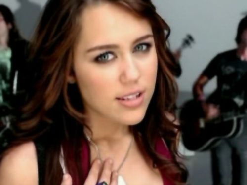 Miley/7 things pics