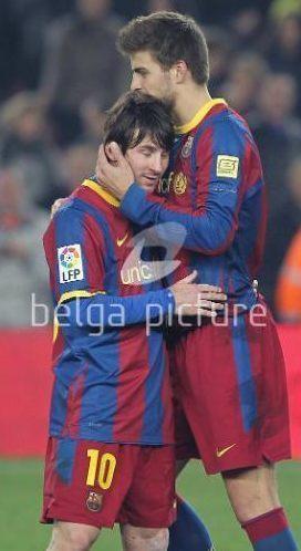 Piqué Messi intimate moment