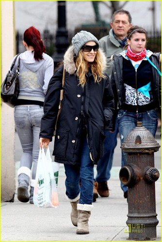 Sarah Jessica Parker: Grocery Run with the Twins!
