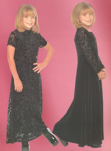 Mary-Kate & Ashley Olsen wallpaper possibly containing a jantar dress entitled 1998 - Calender